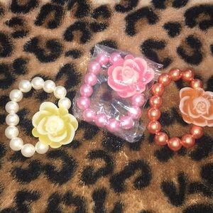 Jewelry - New Stretch Bead Flower Bracelet Set